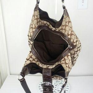 Coach Bags - Coach Lynn Jacquard & Leather Hobo Shoulder Bag
